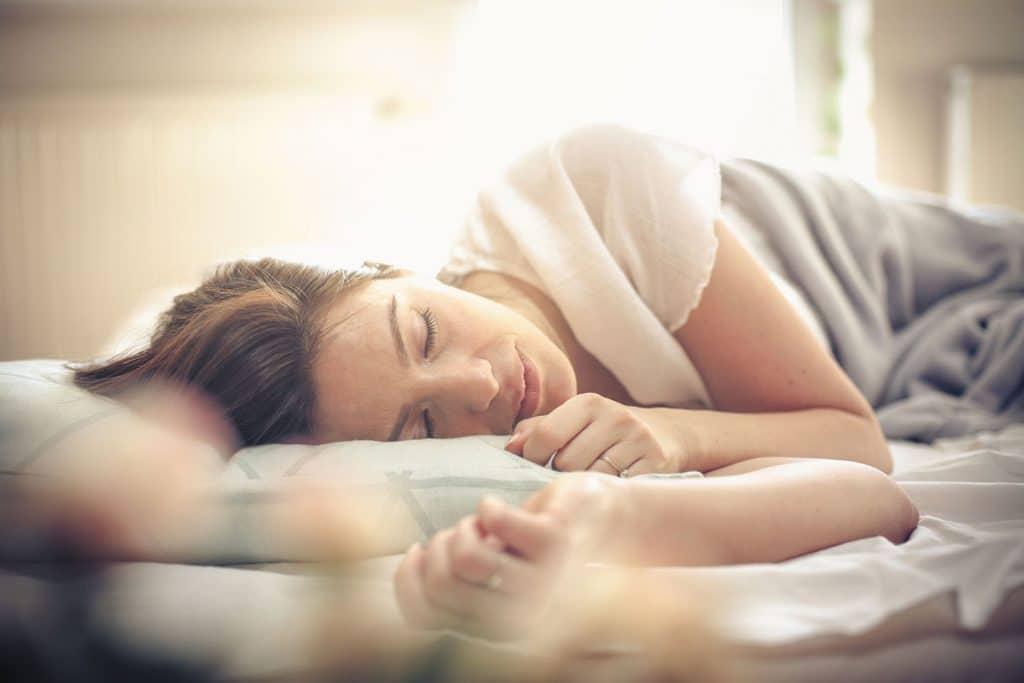 به چه مقدار خواب نیاز داریم؟